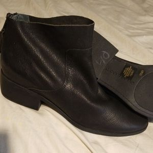 """NWOT Lucky Brand 2"""" Ankle Boots With Back Zipper"""